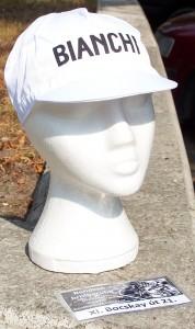 Fehér Bianchi sapka